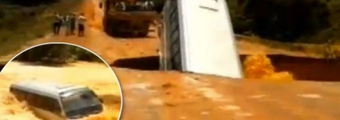 Space Weather, Best Eclipse Video, Sinkhole Swallows Bus | Earth & Space News March 26, 2015