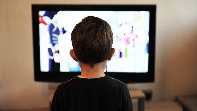 child-watching-tv