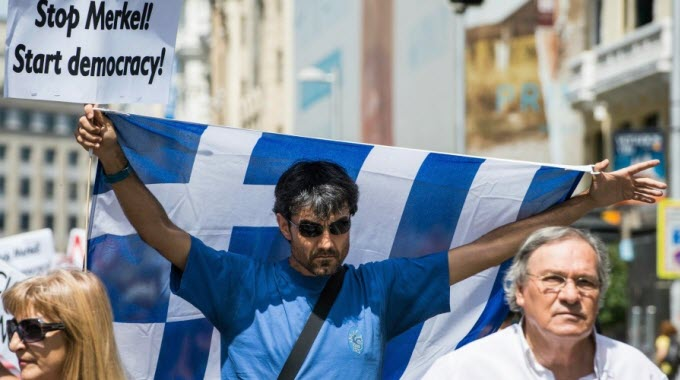 Despite the overwhelming anti-austerity vote in early July, Greek government capitulates to mandate of European creditors. (Photo: AdolfoLujan/cc/flickr)