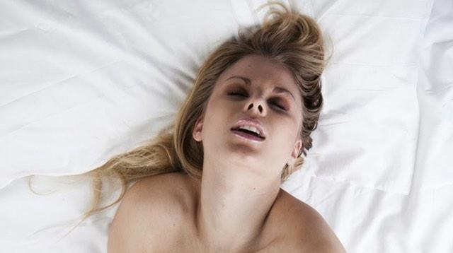 Female vaginal piercing photos