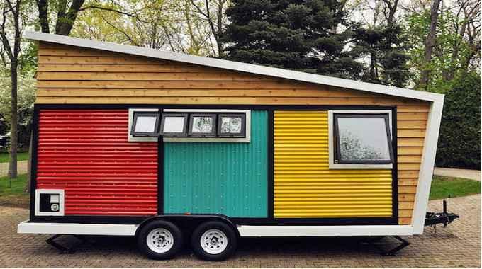 Photo via Toy Box Tiny Home
