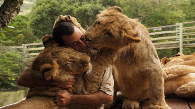 Kevin-Richardson-Lion-Whisperer-compressed