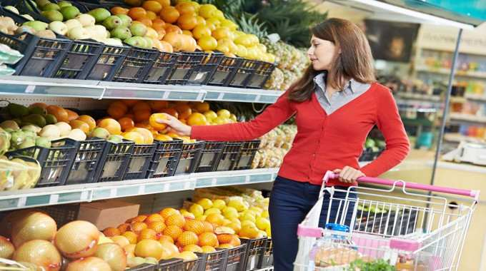 woman-shopping-fruits-compressed
