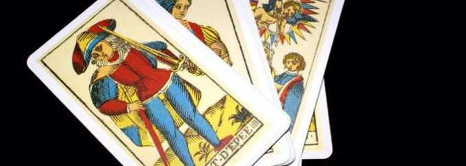 6 Ways the Tarot Cards Can Help to Improve Your Life