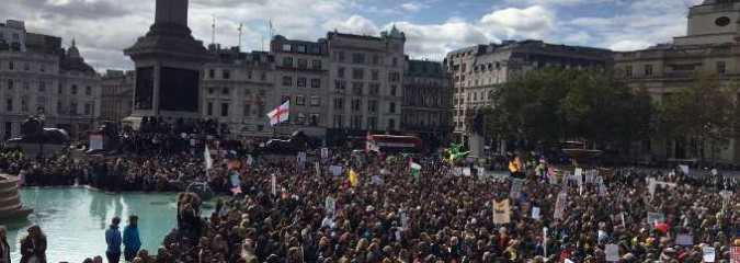 Thousands Rally in London To Oppose Another COVID-19 Lockdown