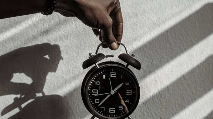 clock daylight shadow