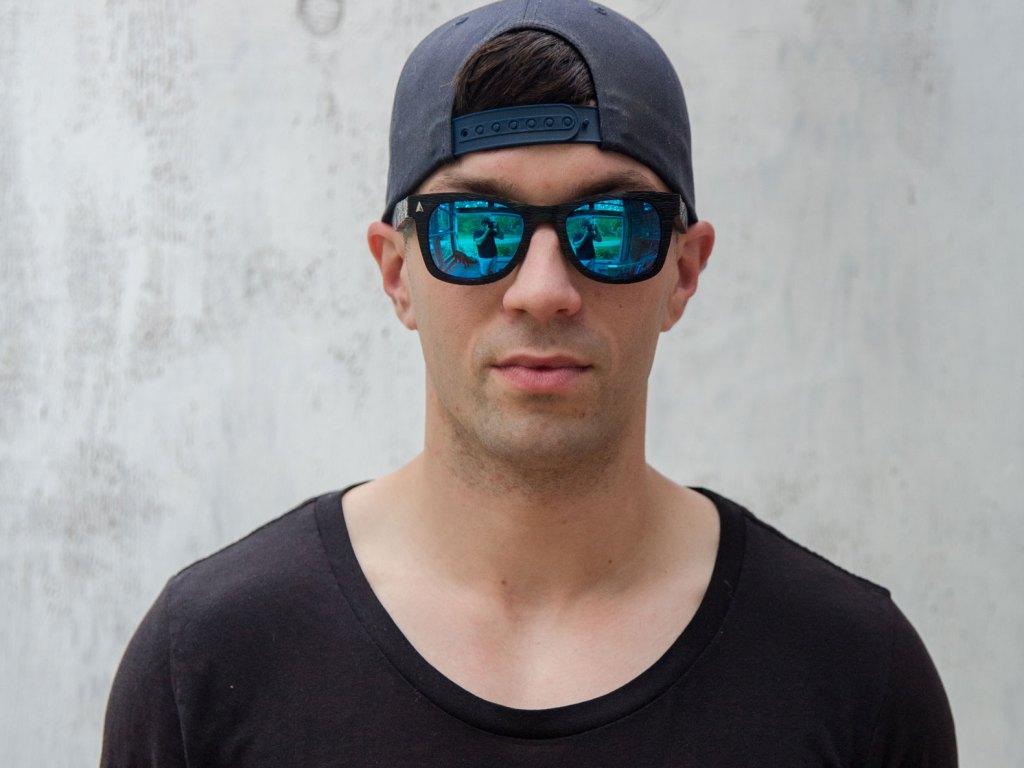 sunglasses_ocean_ecouterre_guy