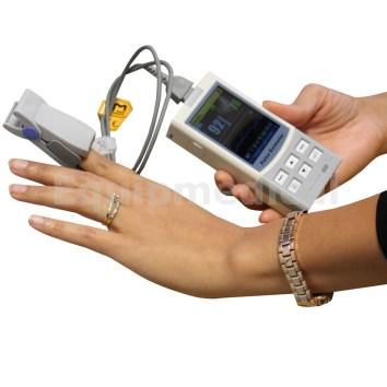 Oxymètre de pouls digital (equipmedixal.com).