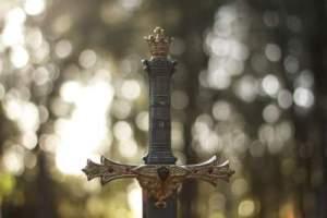 erreurs storytelling _ une épée traditionnelle