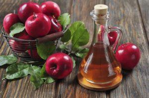 El vinagre de sidra de manzana, es un tratamiento efectivo para las infecciones en uñas de las manos y de los pies, que pueden ser resistentes a las medicaciones modernas.