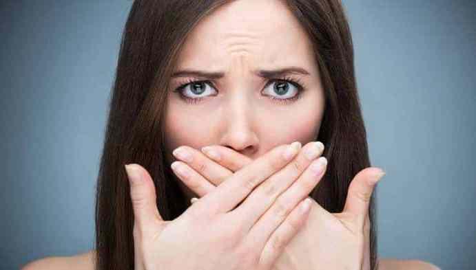 CONFLICTOS EMOCIONALES EN LA HALITOSIS