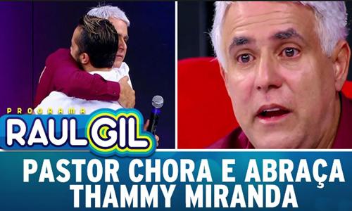 Pastor Claudio Duarte chorando