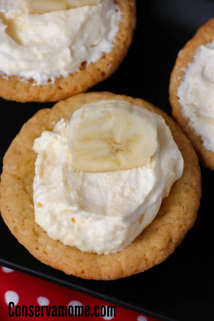 These delicious Banana Cream Cookie Cups are going to be the hit of any gathering.