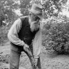 Old_man_with_shovel-featured