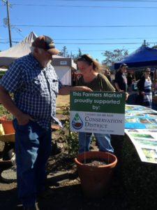 Tom and Marian Sawtell manage the Molalla Farmers Market.