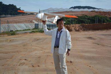 Keeyen launching the drone