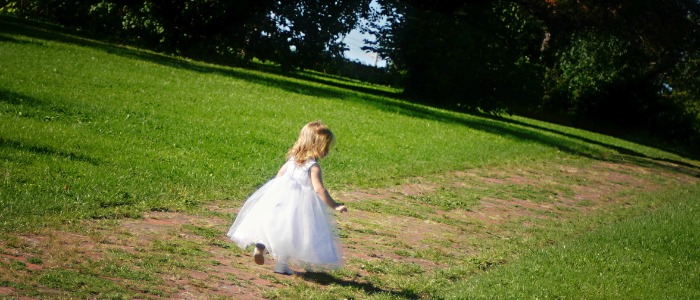 little girl in white dress 700