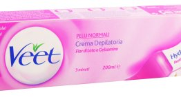 La crema depilatoria veet è il top.