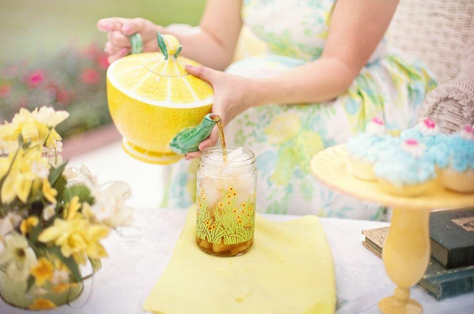 Al mattino depurati anche tu con acqua e limone