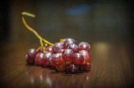 Sognare sorella morta e mamma che mangiano uva: cosa significa? Sogno di Maria