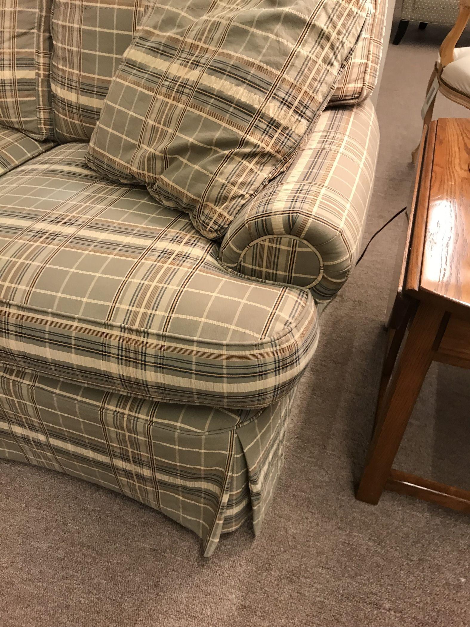 PA HOUSE PLAID SOFA Delmarva Furniture Consignment