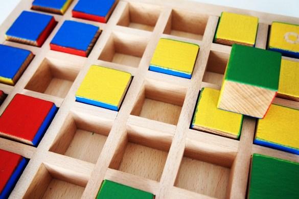Los cubos capturados se transforman en cubos propios, por lo que no desaparecen del tablero.