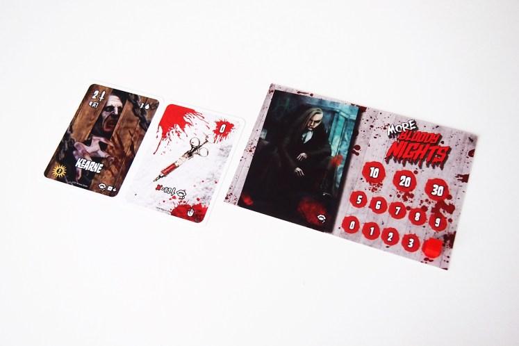 Más Noches de Sangre incorpora la posibilidad de convertirse en un vampiro, ya sea como efecto de un mordisco o con el uso de la jeringuilla. Se anota la sangre correspondiente al valor de sus supervivientes.
