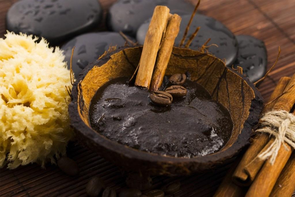 Savon noir - Ingrédients naturels et économique pour nettoyer toute notre maison