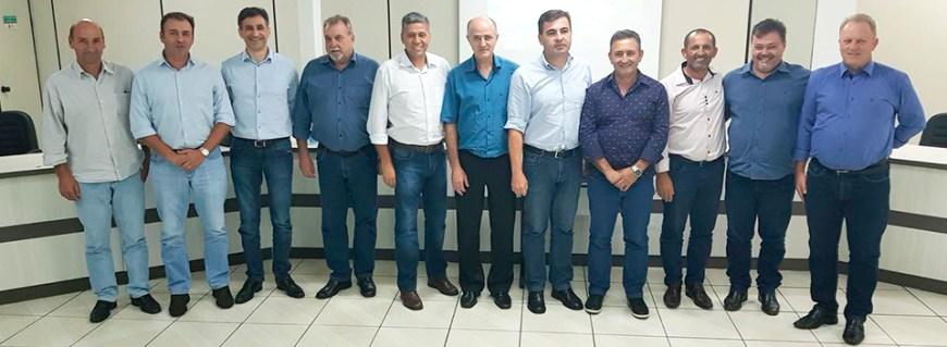 consorcio intermunicipal piquiri - prefeitos e vice reunidos