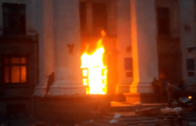 Screen shot of the fatal fire in Odessa, Ukraine, on May 2, 2014. (From RT video)