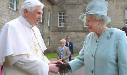 pope and queen secret handshake