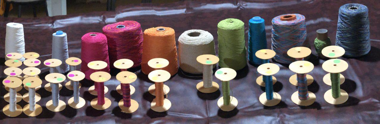 Spools & yarn Crop