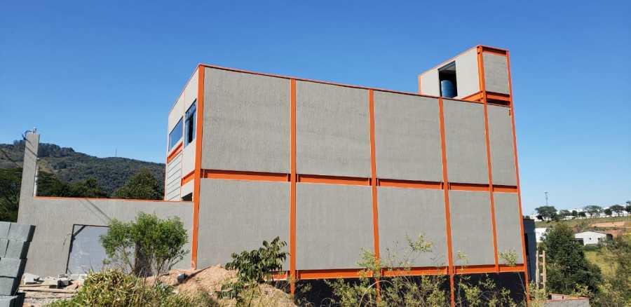 aplicação de grafiato em fachada lateral sobre blocos