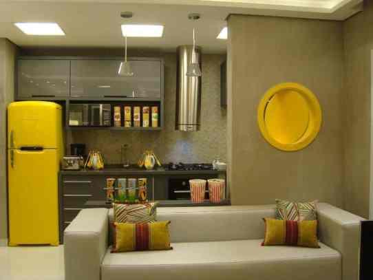04 cozinha moderna amarela e amadeirada