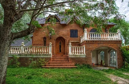 02 casa grande rustica com tijolo a vista
