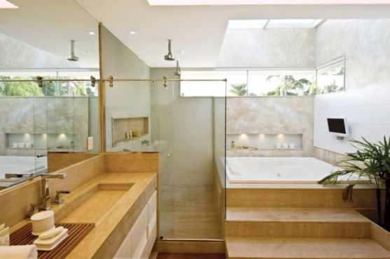 08 banheiro grande com banheira embutida no marmore