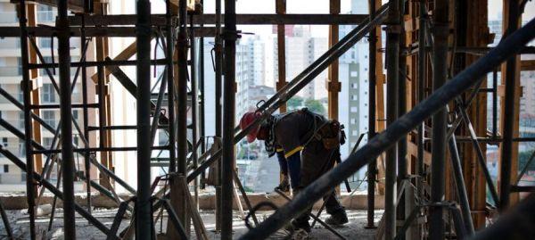 contratar na construção