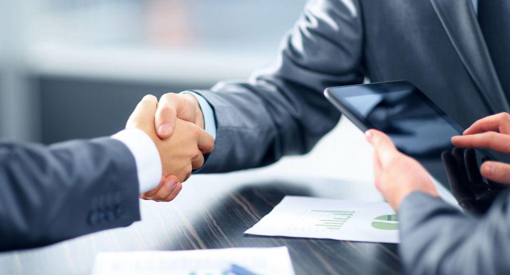 6 alternativas para trabalho de engenheiro civil: engenheiro de vendas