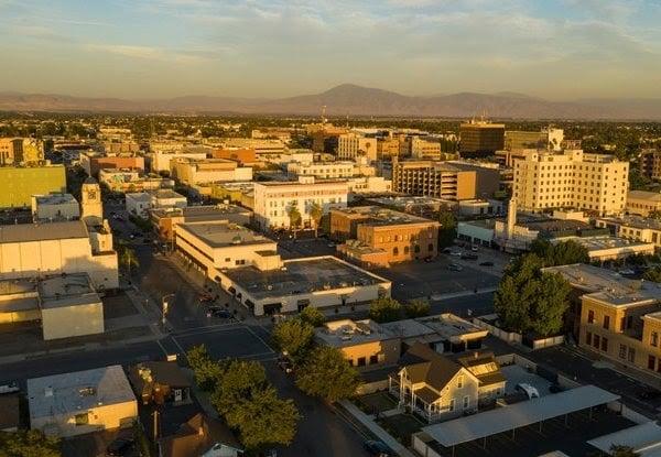 California Bakersfield 2A6DH5N