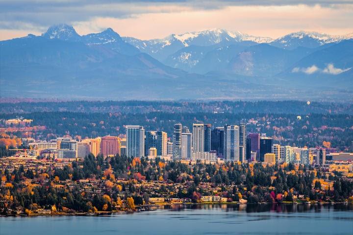 48 Washington Bellevue KHM6E1