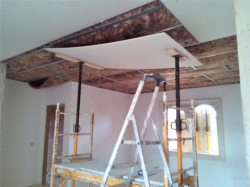 Falso techo con placas de Pladur