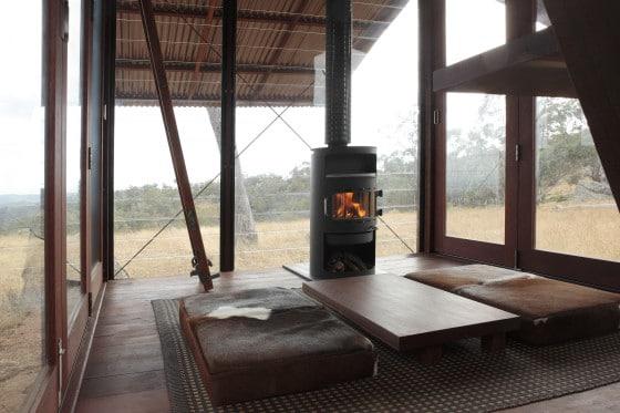 Sala de casa pequeña de campo