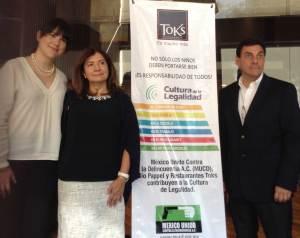 Daniela Rodríguez, gerente de Responsabilidad Social y Comunicación Cormporativa de Bio Pappel, María Teresa Troncoso de México Unido contra la Delincuencia yGustavo Pérez, director de Responsabilidad Social de Toks.
