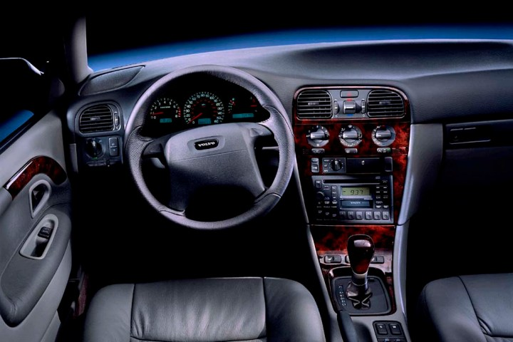 Volvo v40 2000 interior for Interior volvo v40