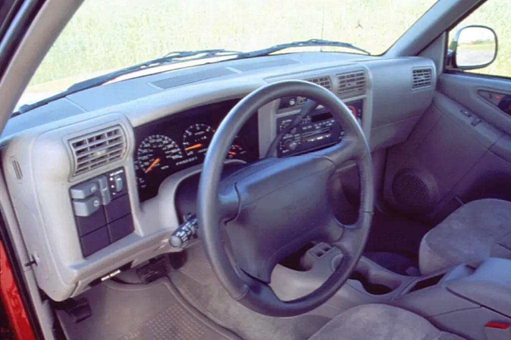 1994 04 GMC Sonoma Consumer Guide Auto