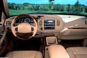 199802 Lincoln Navigator | Consumer Guide Auto