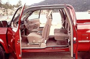 200006 Toyota Tundra | Consumer Guide Auto