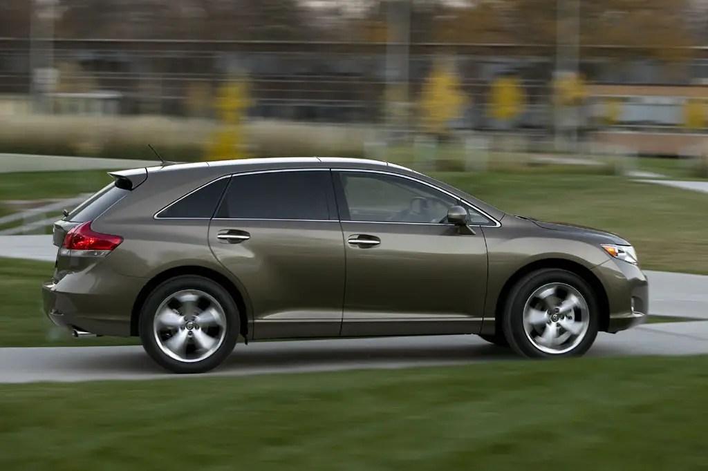 2009 15 Toyota Venza Consumer Guide Auto