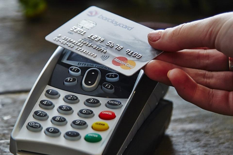 Portugueses adaptam-se às novas formas de pagamento