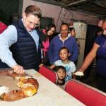 Comparte Aispuro Rosca de Reyes con familias en alta vulnerabilidad